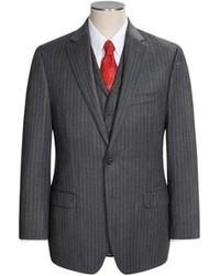 dunkelgrauer vertikal gestreifter Anzug