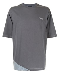 dunkelgraues T-Shirt mit einem Rundhalsausschnitt von FIVE CM