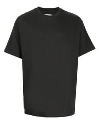 dunkelgraues T-Shirt mit einem Rundhalsausschnitt von Izzue