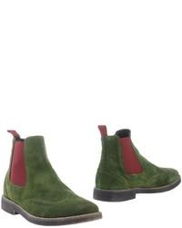 dunkelgrüne Chelsea Boots aus Wildleder