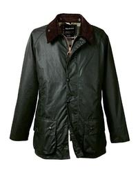 dunkelgrüne Jacke mit einer Kentkragen und Knöpfen von Barbour