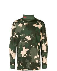 dunkelgrüner Camouflage Rollkragenpullover von 032c