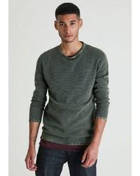 dunkelgrüner Pullover mit einem Rundhalsausschnitt von Chasin'
