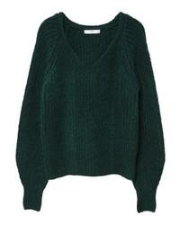 dunkelgrüner Pullover mit einem V-Ausschnitt von Mango