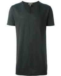 dunkelgrünes T-Shirt mit einem V-Ausschnitt