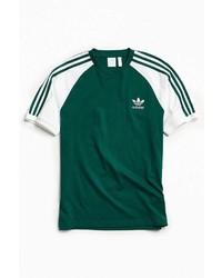 dunkelgrünes vertikal gestreiftes T-Shirt mit Rundhalsausschnitt