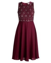dunkellila ausgestelltes Kleid von Anna Field