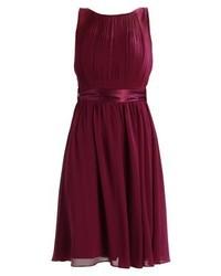 dunkellila ausgestelltes Kleid von Dorothy Perkins