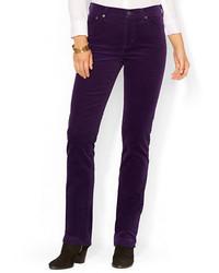 dunkellila enge Jeans aus Cord