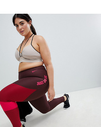 dunkelrote bedruckte Leggings von Nike Training