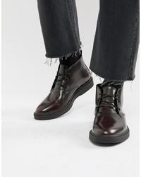 dunkelrote Chukka-Stiefel aus Leder von Zign