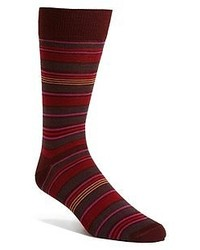 dunkelrote horizontal gestreifte Socken