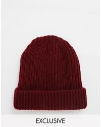 dunkelrote Mütze von Reclaimed Vintage
