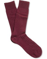 dunkelrote Socke