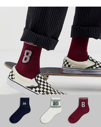 dunkelrote Socken von ASOS DESIGN