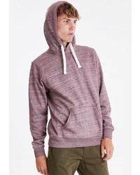 dunkelroter Pullover mit einem Kapuze von BLEND