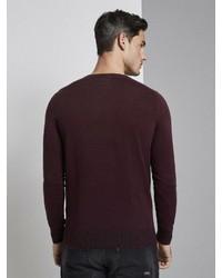 dunkelroter Pullover mit einem Rundhalsausschnitt von Tom Tailor