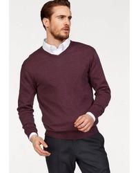 dunkelroter Pullover mit einem V-Ausschnitt von CLASS INTERNATIONAL