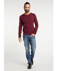 dunkelroter Pullover mit einem V-Ausschnitt von Dreimaster