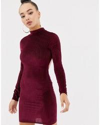 dunkelrotes figurbetontes Kleid von Missguided
