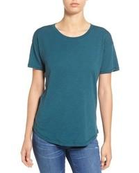 dunkeltürkises T-Shirt mit einem Rundhalsausschnitt