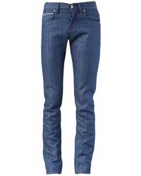 Kombinieren Sie schwarzen Chelsea-Stiefel aus Leder mit engen Jeans für Ihren Bürojob.