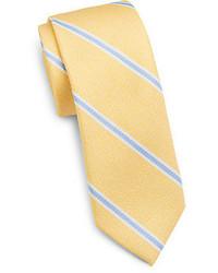 gelbe vertikal gestreifte Krawatte