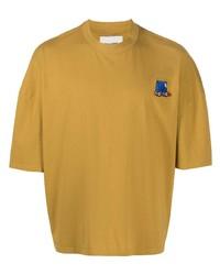gelbes bedrucktes T-Shirt mit einem Rundhalsausschnitt von Henrik Vibskov