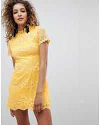 gelbes gerade geschnittenes Kleid aus Spitze von AX Paris