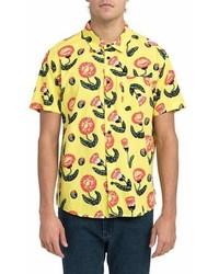 gelbes Kurzarmhemd mit Blumenmuster