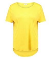 gelbes T-Shirt mit einem Rundhalsausschnitt von Filippa K