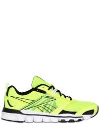 gelbgrüne Sportschuhe