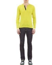 gelbgrüner Pullover