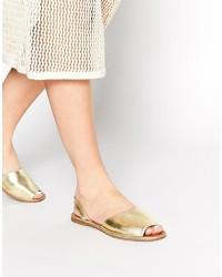 goldene flache Sandalen aus Leder von Faith