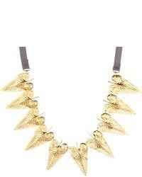 goldene Halskette mit Blumenmuster