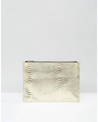 Goldene Leder Clutch mit Schlangenmuster von Asos