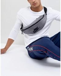 graue Bauchtasche von Nike