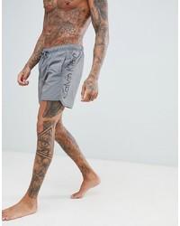 graue bedruckte Badeshorts von Calvin Klein