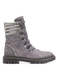 graue flache Stiefel mit einer Schnürung aus Wildleder von Casadei
