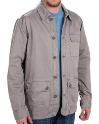 graue Jacke mit einer Kentkragen und Knöpfen