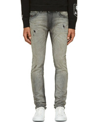 graue Jeans mit Destroyed-Effekten von Diesel