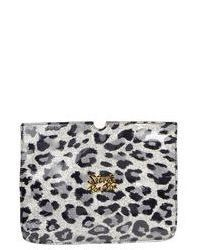 graue Leder Clutch mit Leopardenmuster