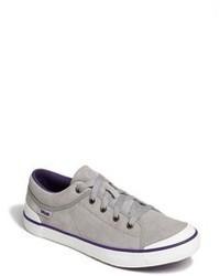 graue niedrige Sneakers