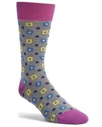 graue Socken mit Argyle-Muster