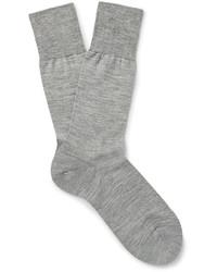 graue Socken von Falke