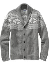 graue Strickjacke mit einem Schalkragen mit Fair Isle-Muster