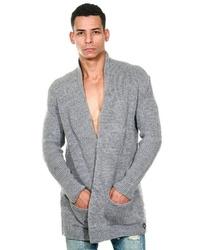 graue Strickjacke mit einem Schalkragen von Fiyasko Fashion