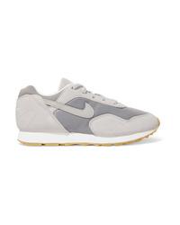 graue Wildleder niedrige Sneakers von Nike