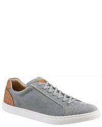 graue Wildleder niedrige Sneakers von PETROLIO