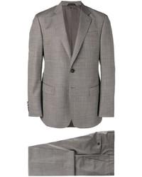 grauer Anzug von Giorgio Armani